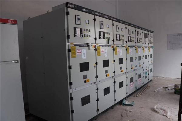 滕州爱瑞派出具电炉选用了我们瑞朗设备配电柜。